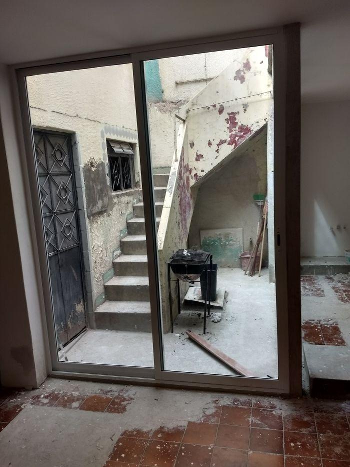 Instalaci n de ventanas corredizas aluminio y vidrio adr for Instalacion de ventanas de aluminio